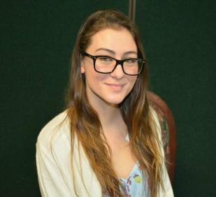 Kimberly Tavares, 2015 Scholarship Recipient